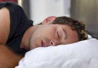 ۱۰ ماده غذایی که نباید قبل از خواب میل کنید.