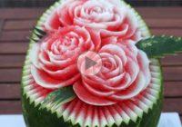 چگونه بر روی هندوانه گل درست کنیم؟