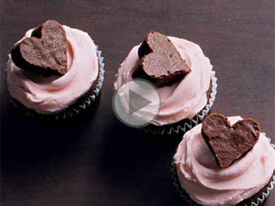 چگونه کاپ کیک را با کرم های مختلف کاور کنیم؟