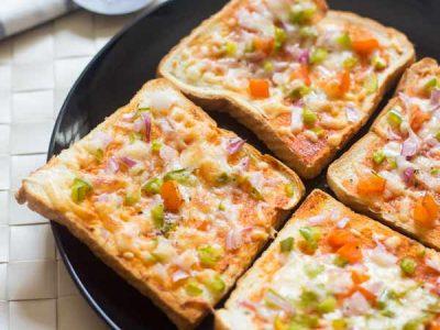 مینی پیتزا با نان تست