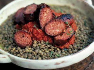 خوراک سوسیس و عدس