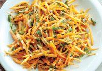 سالاد هویج با جعفری و پیازچه