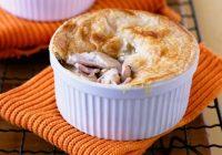 پای مرغ خامه ای با قارچ